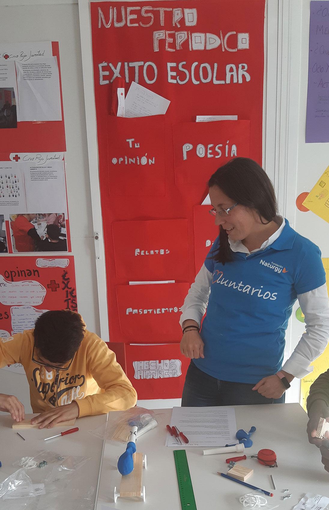 Taller-Fundación-Naturgy-en-Cruz-Roja-Juventud-en-Mósteles-1